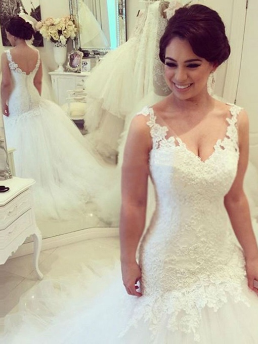 V-Neck Appliques Lace Trumpet Wedding Dress