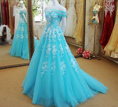 Off-the-Shoulder Beaded A-Line Appliques Brush Train Prom Dress