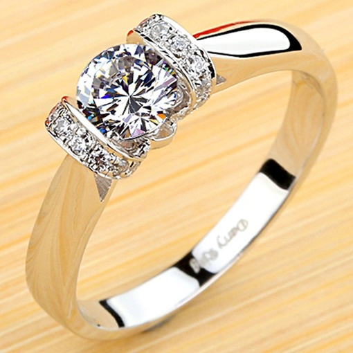 Pure Silver Plating Platinum Diamond Shaped Ring