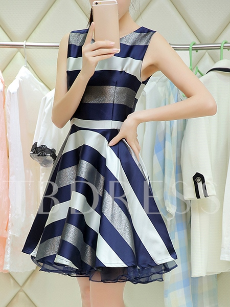Stripes Sleeveless Tiered Women's Day Dress