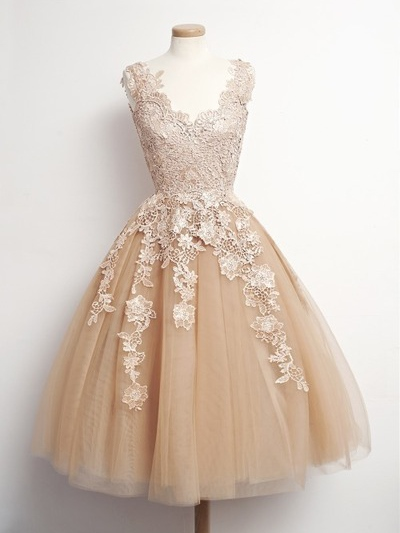A-Line V-Neck Appliques Knee-Length Prom Dress