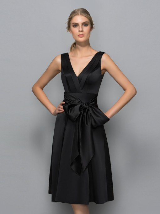 V-Neck A-Line Bow Knee-Length Cocktail Dress