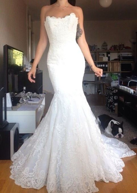 Sweetheart Lace Button Mermaid Floor-Length Wedding Dress