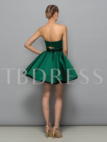 A-Line Sweetheart Beading Hollow Sequins Cocktail Dress
