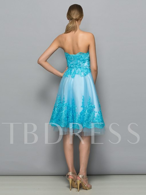 A-Line Zipper-Up Strapless Appliques Knee-Length Cocktail Dress