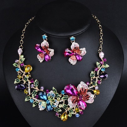 Rhinestone Flowers Exaggerated Jewelry Set