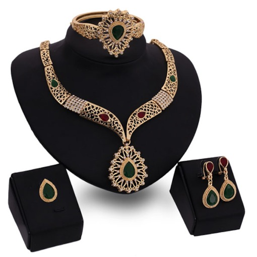 Golden Hollow Out Noble Jewelry Set