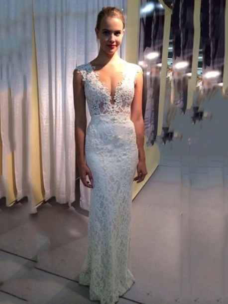 V-Neck Appliques Sheath Lace Wedding Dress