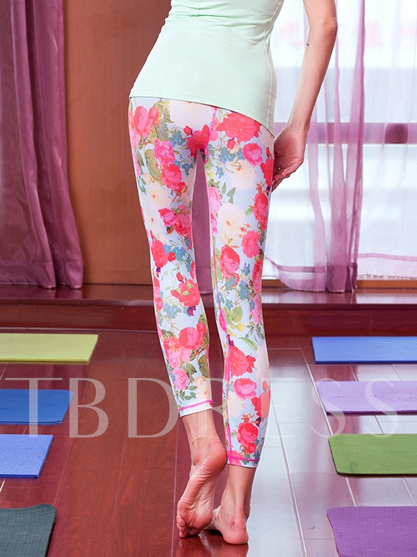 Red Roses Printed Breathable Women's Capri Pants