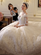 Sweetheart Appliques Half Sleeves Chapel Train Wedding Dress