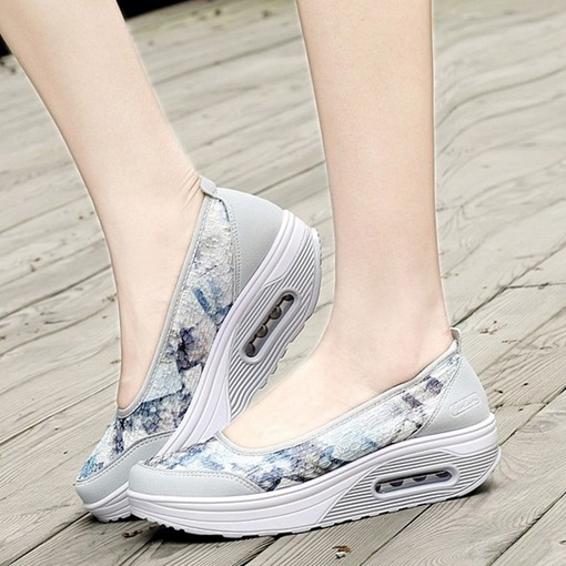 Round Toe Floral Slip-On Women's Sandals