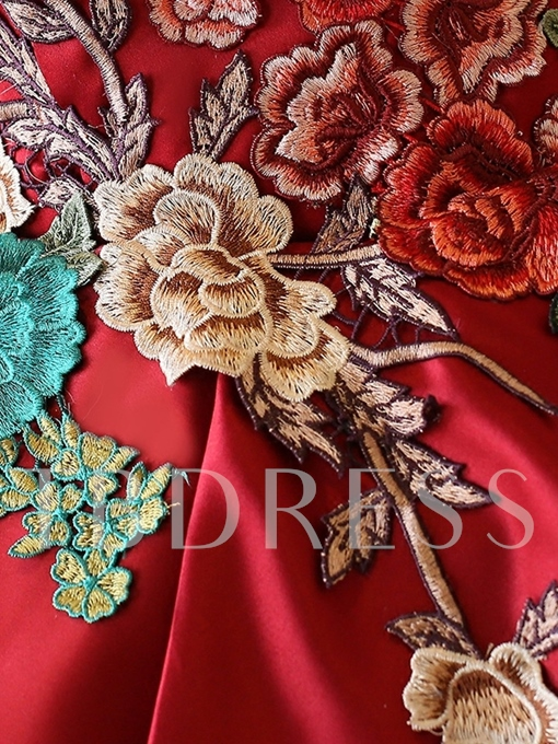 Straplesss Ball Gown Embroidery Quinceanera Dress