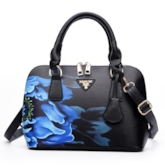 Folk Blue & White Porcelain Pattern Women's Tote Bag