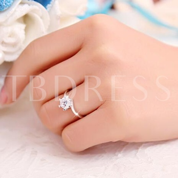 Silver Snow Simulation Diamond-Shaped Ring