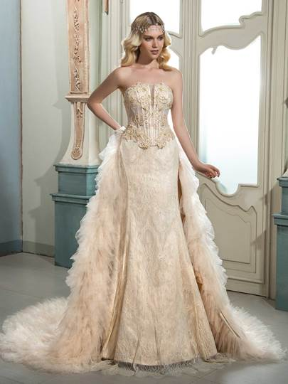 Strapless Lace Beading Tiered Color Wedding Dress Strapless Lace Beading Tiered Color Wedding Dress