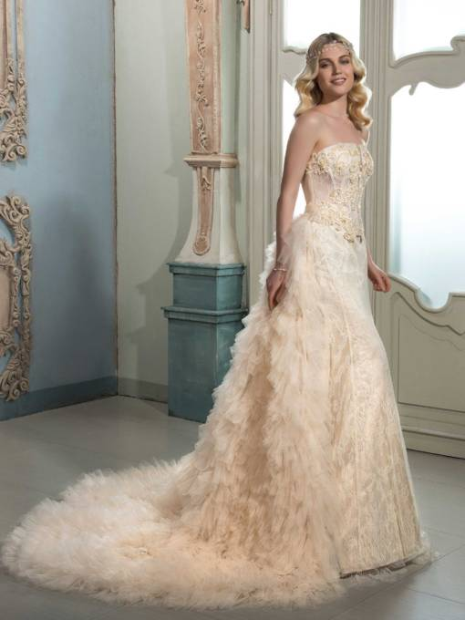 Strapless Lace Beading Tiered Court Train Wedding Dress