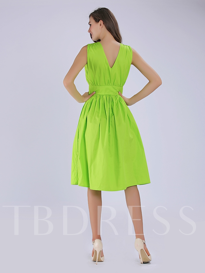 Green V Neck Backless Women's Day Dress (Plus Size Available)