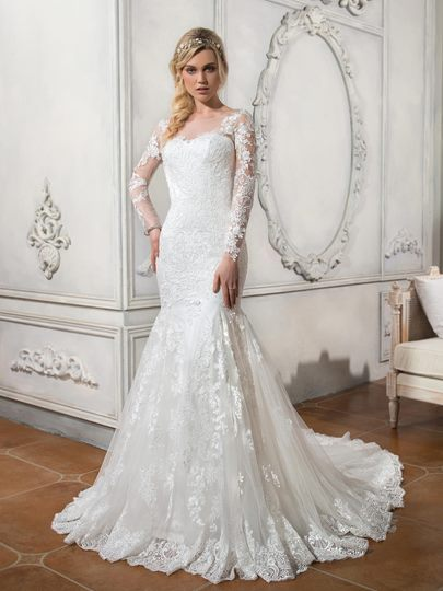 Scoop Neck Long Sleeves Lace Wedding Dress