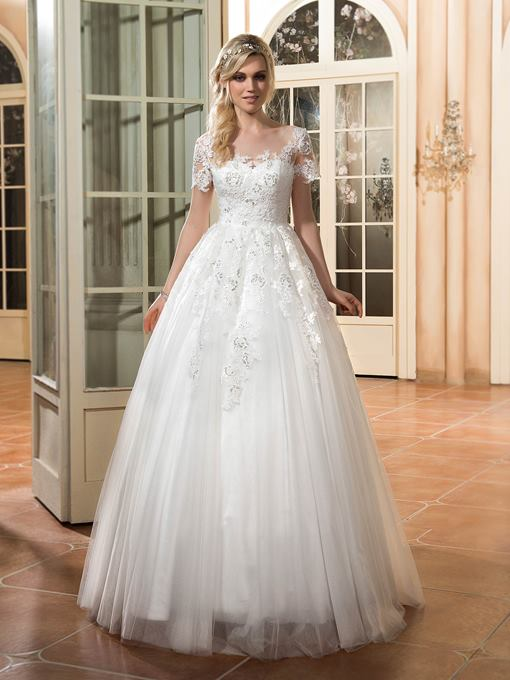 Scoop Neck Short Sleeves Appliques A-Line Wedding Dress