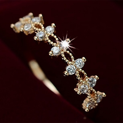 Lace Design Zircon Ring