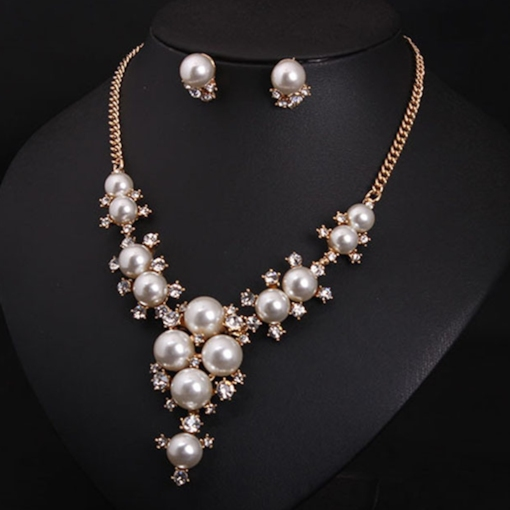 Graceful White Pearl Inlaid Jewelry Set