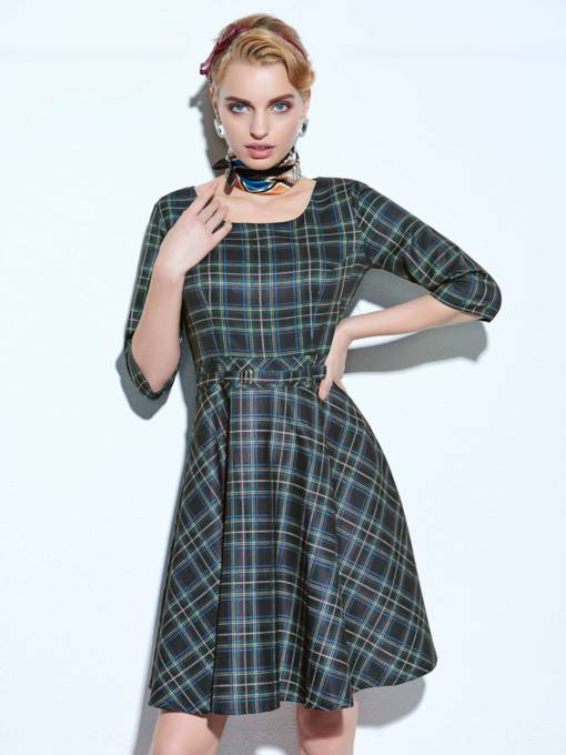 Half Sleeve Plaid Women's Day Dress