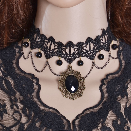 Black Gemstone Inlaid Vintage Style Lace Necklace