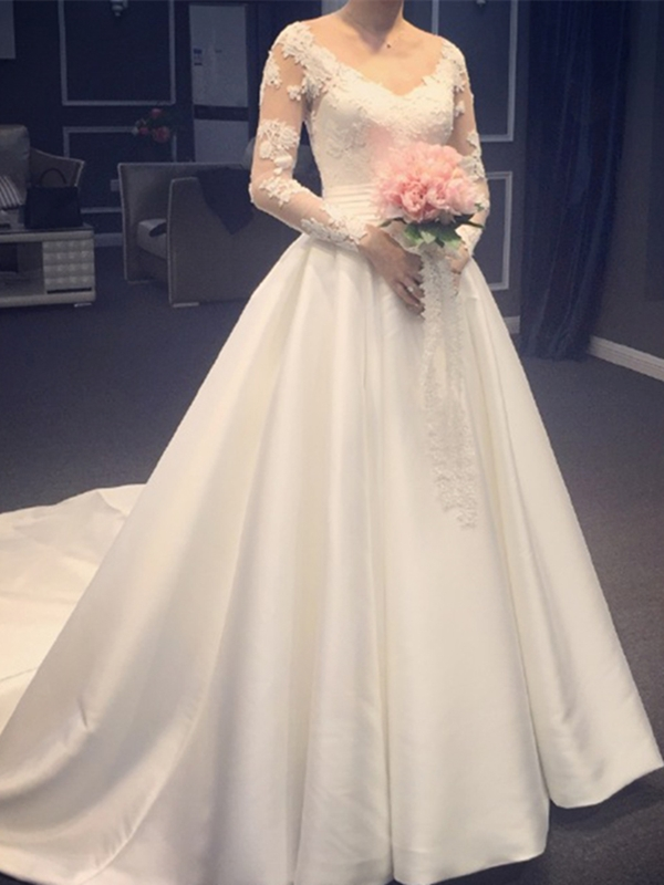 V-Neck Appliques Long Sleeves Wedding Dress