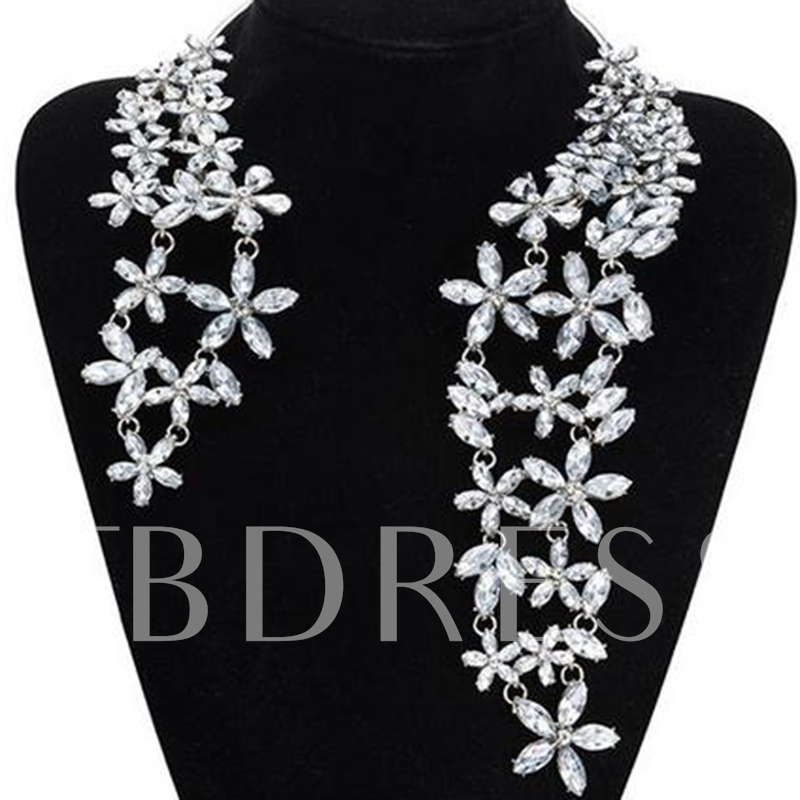Sparking Rhinestone Flowers Necklace