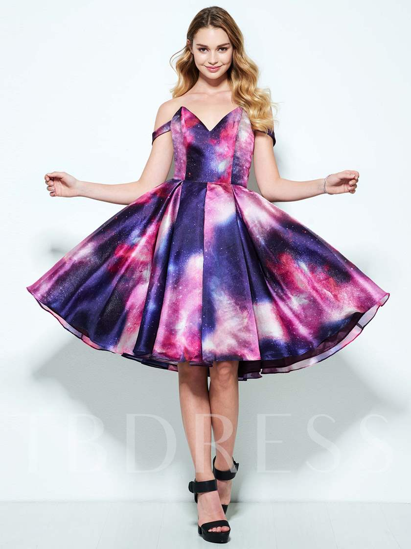 A-Line Off-the-Shoulder Printed Knee-Length Homecoming Dress