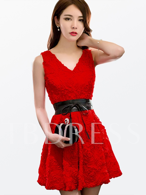Backless Embroidery V-Neck Women's Day Dress (Plus Size Available)