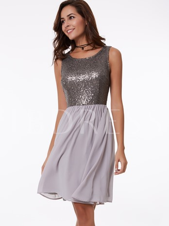 A-Line Round Sequins Knee-Length Homecoming Dress