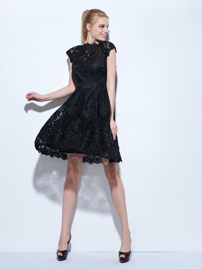 A-Line Jewel Cap Sleeves Lace Knee-Length Cocktail Dress