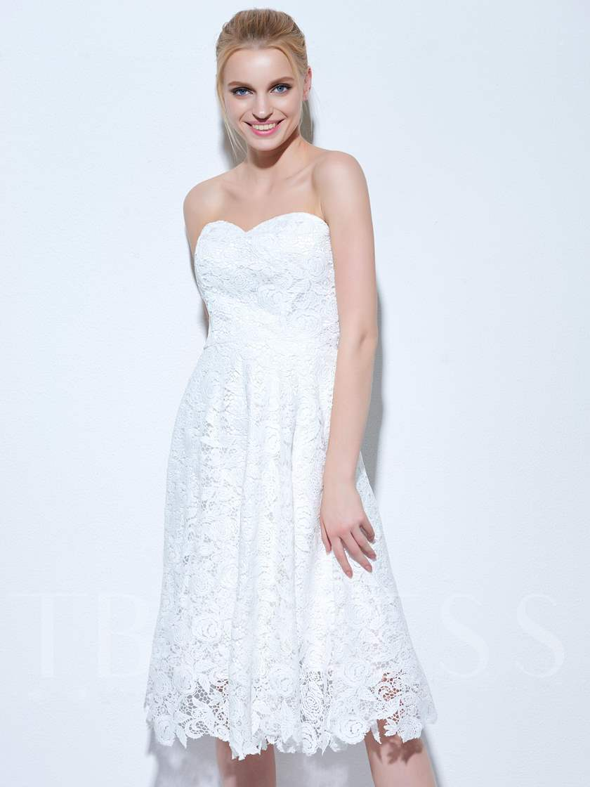 A-Line Sweetheart Lace Knee-Length Cocktail Dress
