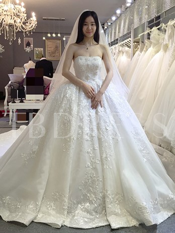 Strapless Appliques Ball Gown Wedding Dress with Train