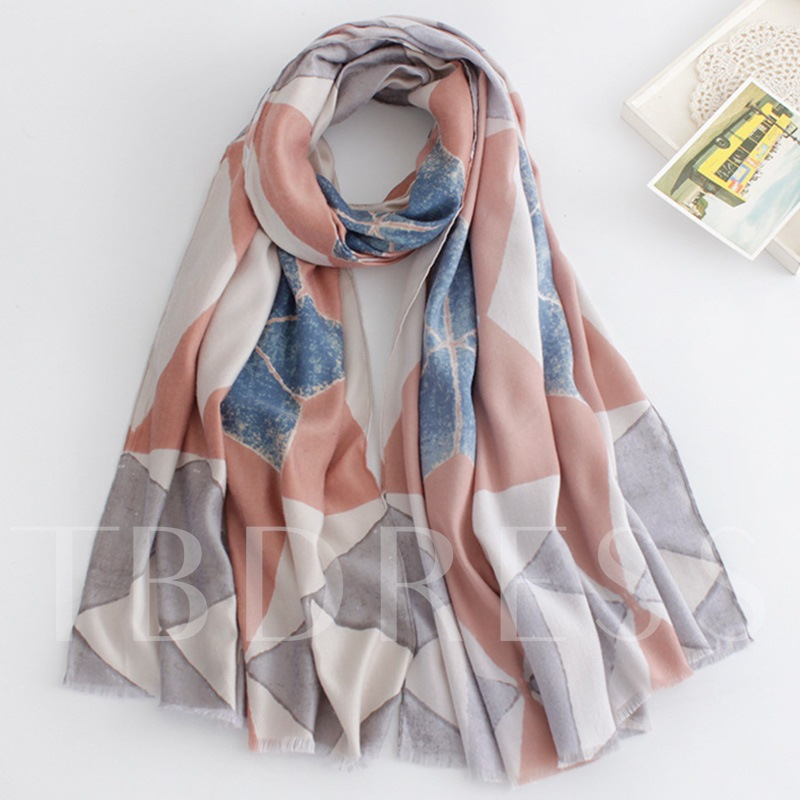 Diamond-Shaped Pattern Scarf