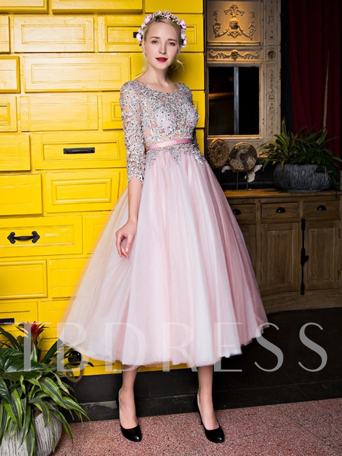 A-Line Bateau Tea-Length Appliques Beading Lace Tea-Length Prom Dress