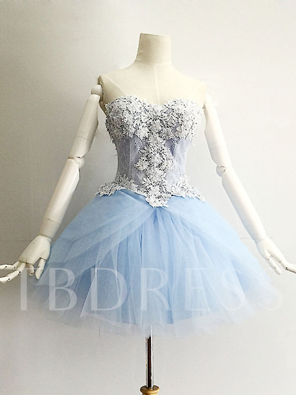 A-Line Sweetheart Appliques Beading Lace Mini Homecoming Dress