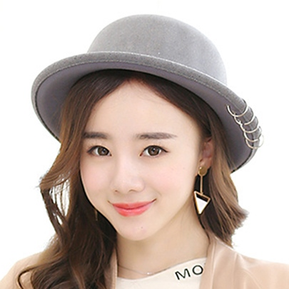 Metal Circle Embellished Women's Wool Hat