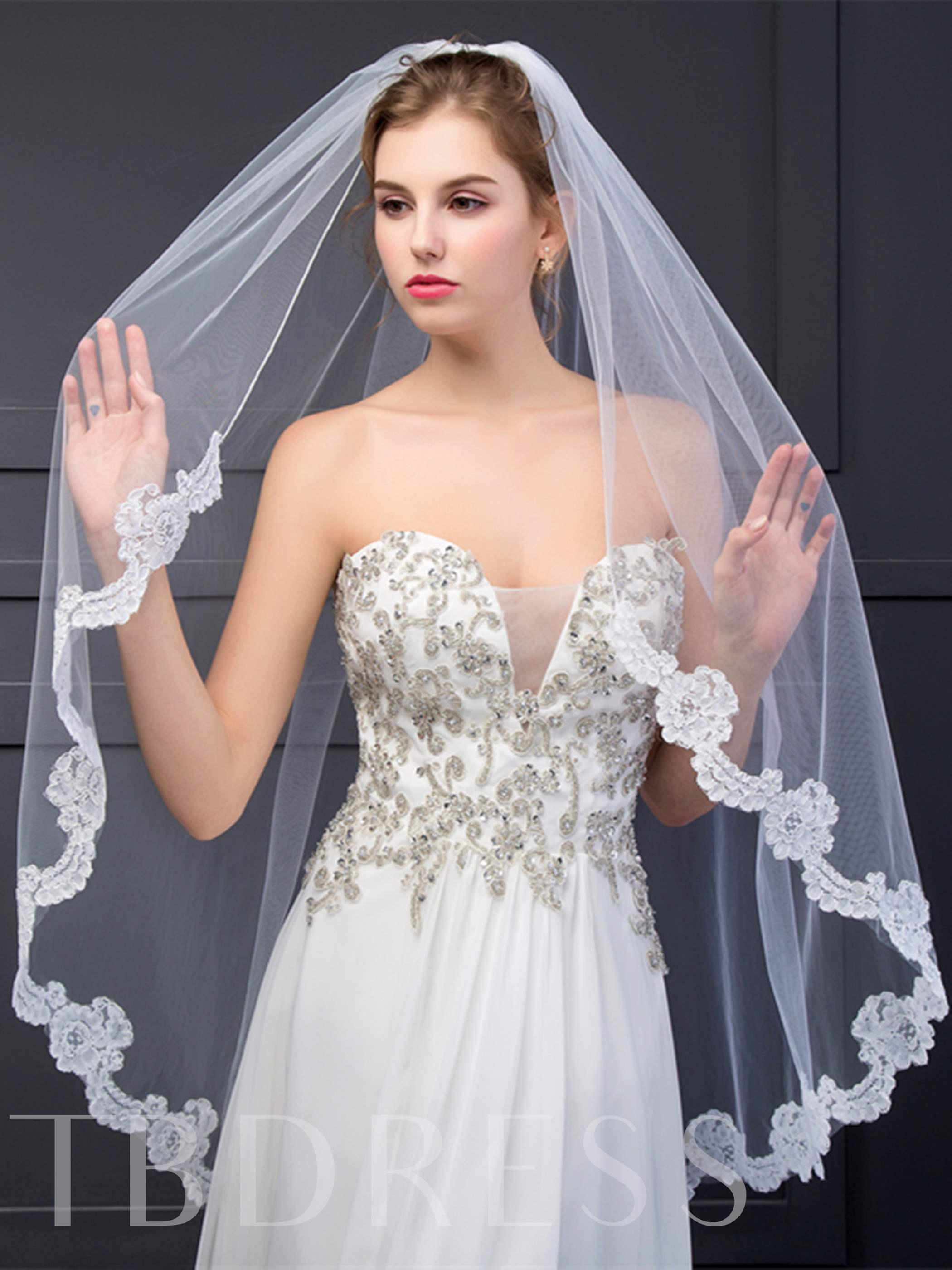 Appliques Short Bridal Wedding Veil