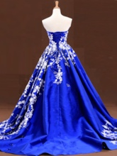 Sweetheart Ball Gown Appliques Lace-Up Quinceanera Dress