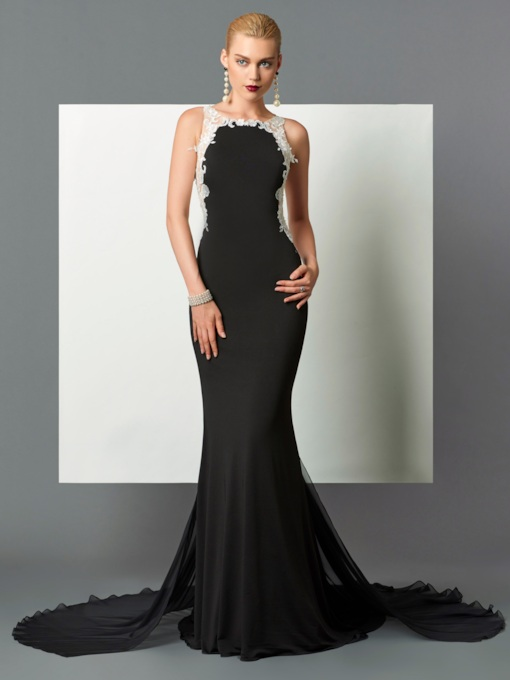 Button Scoop Lace Mermaid Appliques Court Train Evening Dress