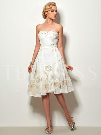 A-Line Strapless Lace Knee-Length Cocktail Dress
