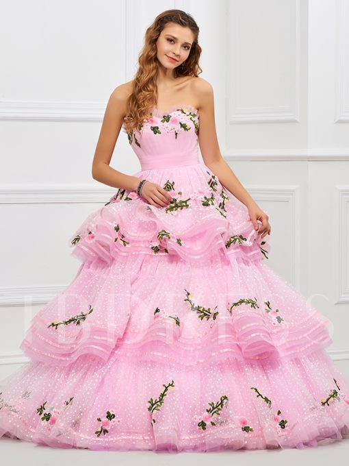 Tiered Sweetheart Ball Gown Appliques Floor-Length Quinceanera Dress