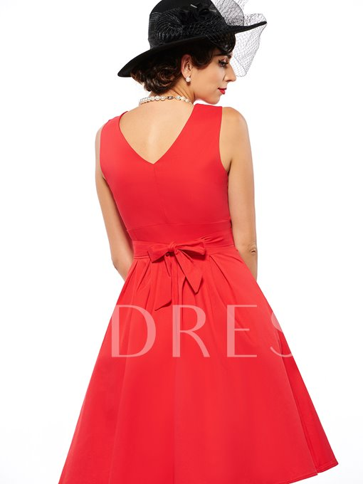 Red Back Knot Pleated Women's Day Dress