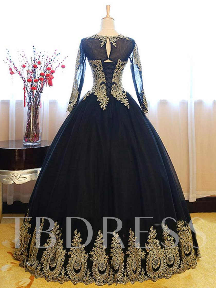 Long Sleeves Appliques Ball Gown Quinceanera Dress