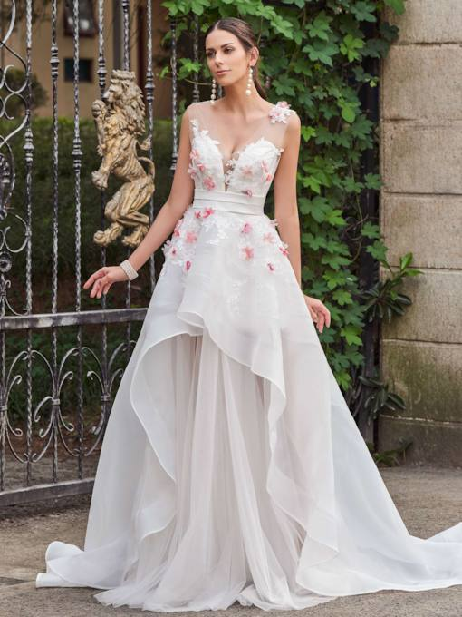 A-Line Court Train With V-Neck Appliques Zipper-Up Wedding Dress