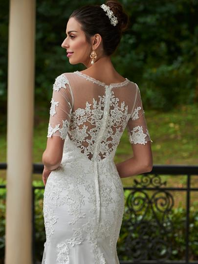 Scoop Neck Appliques Beading Wedding Dress With Short Sleeves