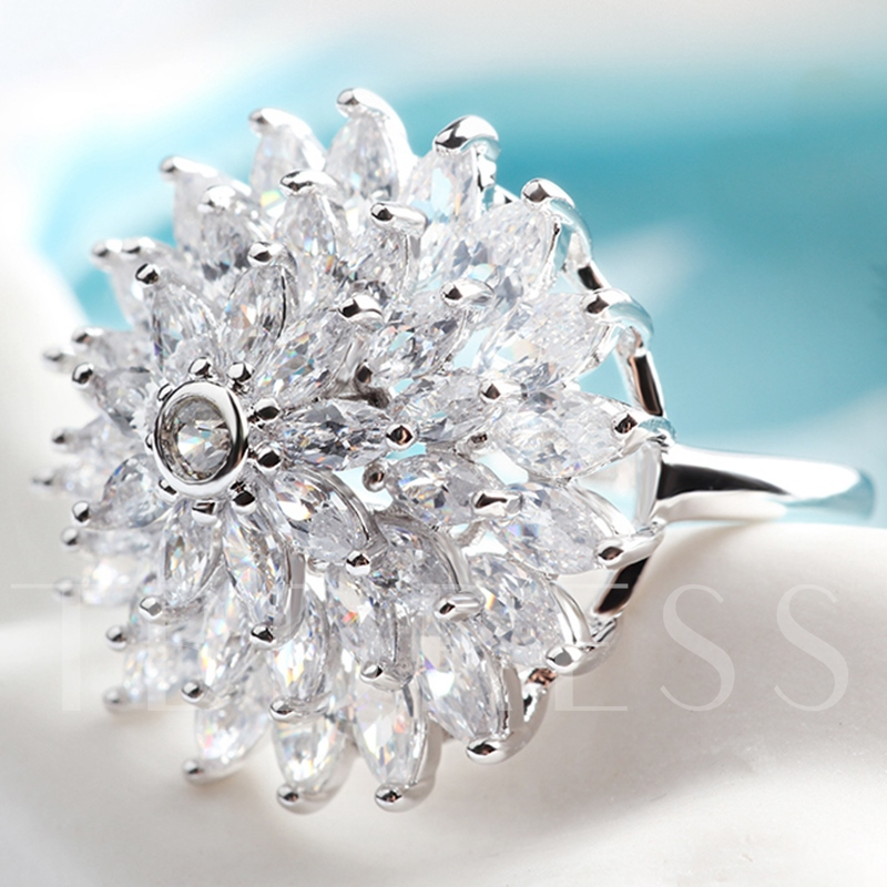 Exaggerated Full Rhinestone Snowflake Ring