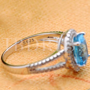 Shiny Oval Cut Aquamarine Promise Ring